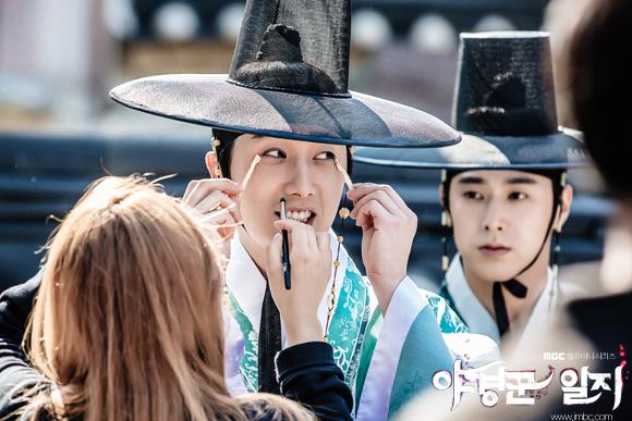 2014 9 Jung II-woo in Night Watchman's Journal Episode 10 BTS Cr.MBC 1
