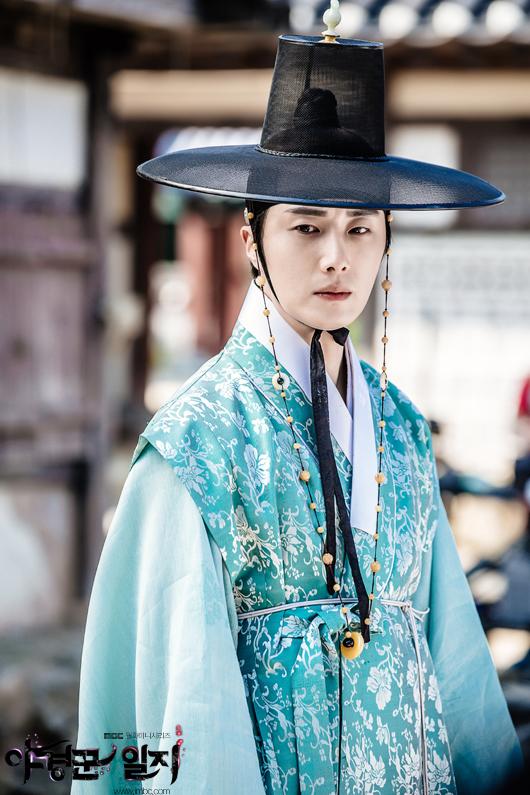 2014 9 Jung II-woo in Night Watchman's Journal Episode 10 BTS Cr.MBC 8