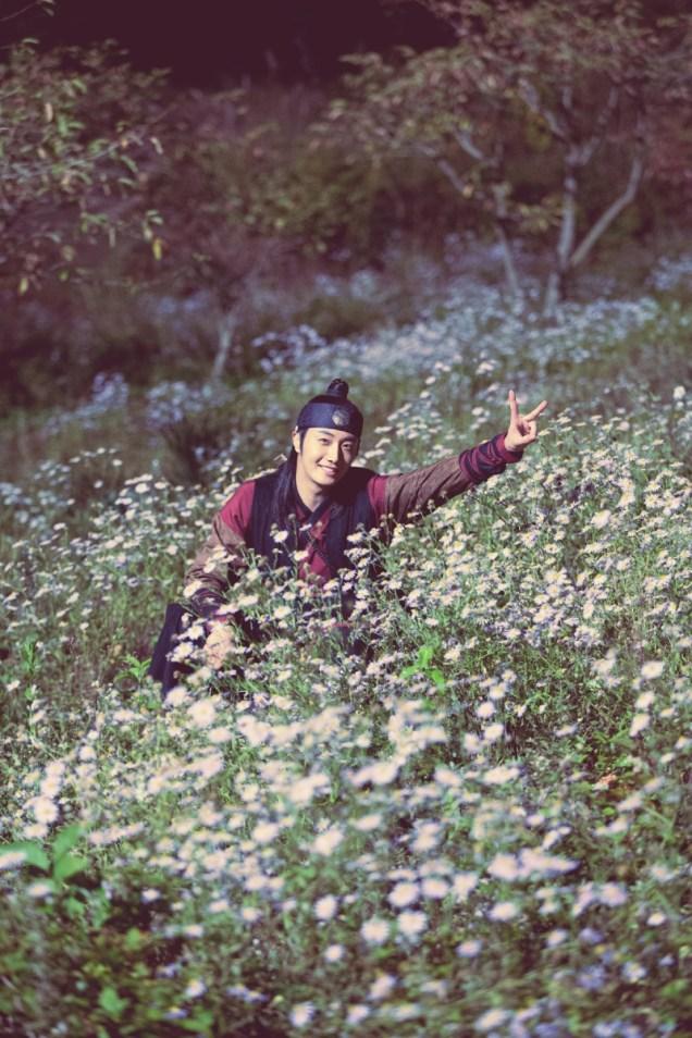 2014 9 The Night Watchman's Journal Episode 14. BTS XTRAS B 3