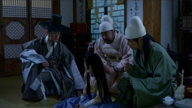 2014 9 The Night Watchman's Journal Episode 16. Cr. MBC 34