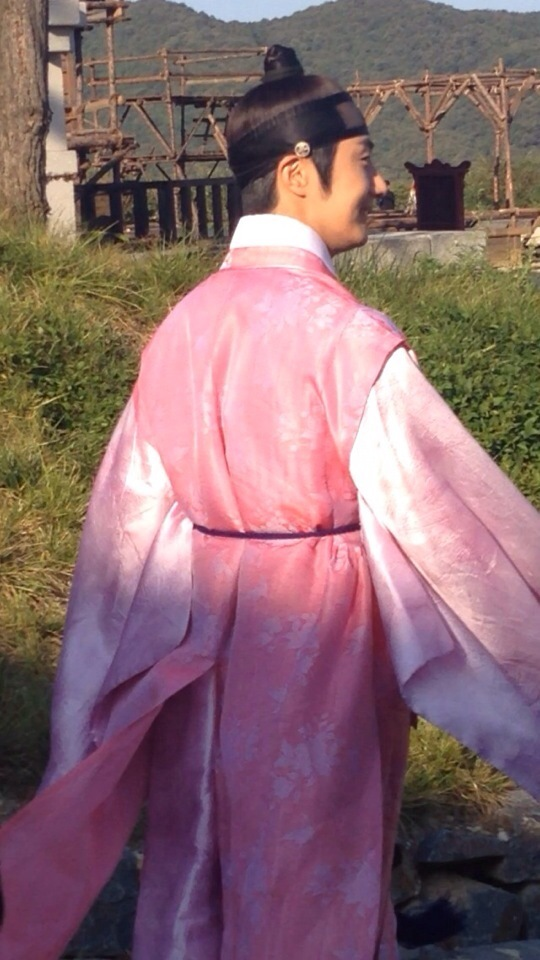 2014 9:10 Jung Il-woo in THe Night Watchman's Journal Episode 19 BTS Fan Taken 4