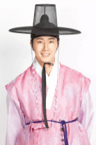 2014 9:10 Jung Il-woo in THe Night Watchman's Journal Episode 20 BTS 2 1