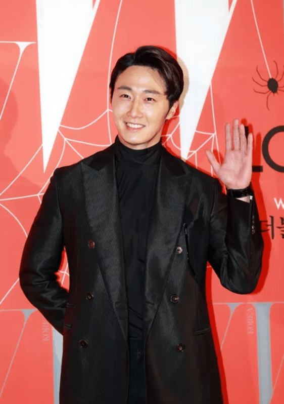 2014 Jung II-woo in the 9th Breast Cancer Campaign LOVE YOUR W 6