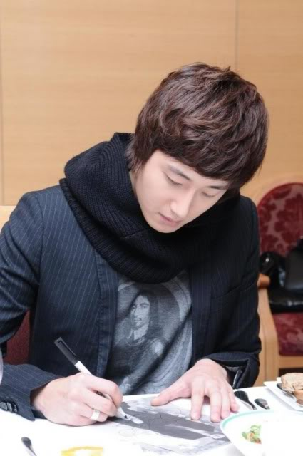 Jung II-woo at Hanyang University. Compilation by Fan 13 Jung Il-woo Delights. 6