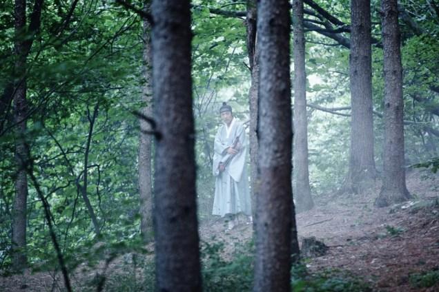 Jung II-woo in the Night Watchman's Journal Episode 6 BTS Cr. MBC 16