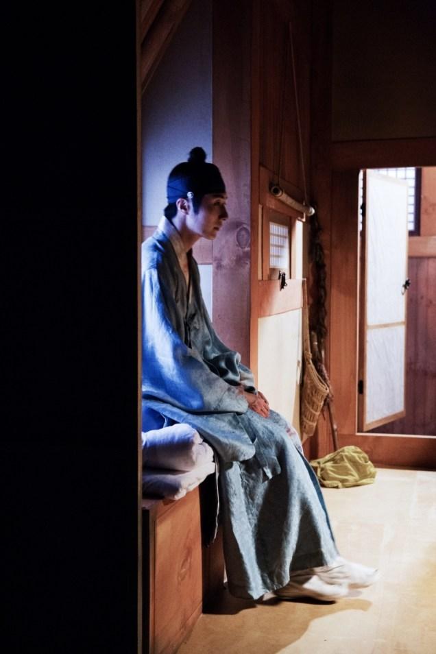 Jung II-woo in the Night Watchman's Journal Episode 6 BTS Cr. MBC 32