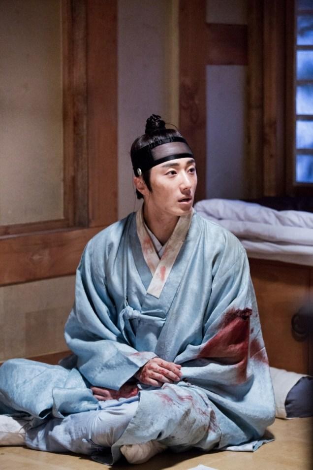 Jung II-woo in the Night Watchman's Journal Episode 6 BTS Cr. MBC 36