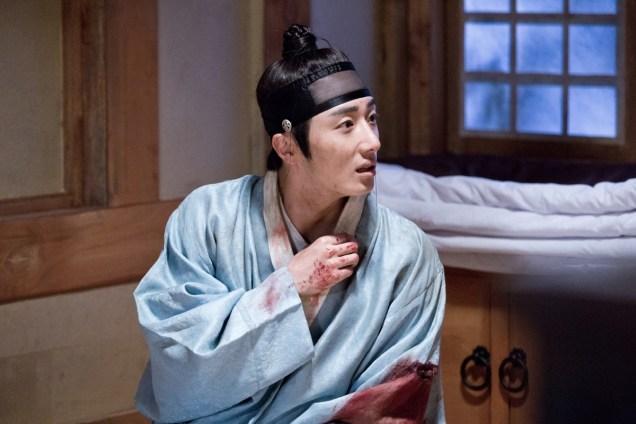 Jung II-woo in the Night Watchman's Journal Episode 6 BTS Cr. MBC 37