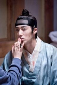 Jung II-woo in the Night Watchman's Journal Episode 6 BTS Cr. MBC 41