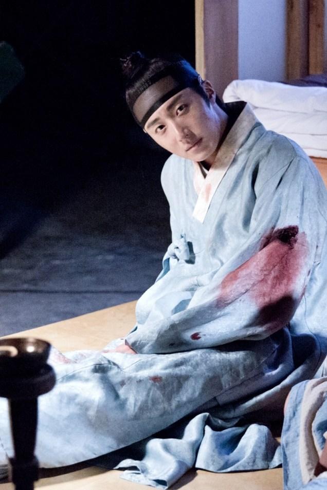 Jung II-woo in the Night Watchman's Journal Episode 6 BTS Cr. MBC 43