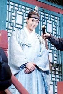 Jung II-woo in the Night Watchman's Journal Episode 6 BTS Cr. MBC 7