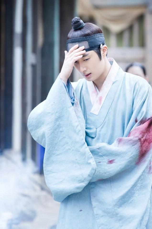 Jung II-woo in the Night Watchman's Journal Episode 7 BTS Cr. jungilwoo.com4