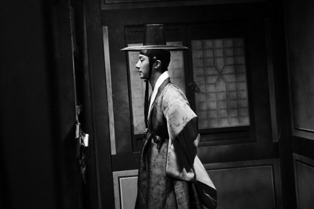 Jung II-woo in the Night Watchman's Journal Episode 7 BTS Part 2 Cr. jungilwoo.com 16