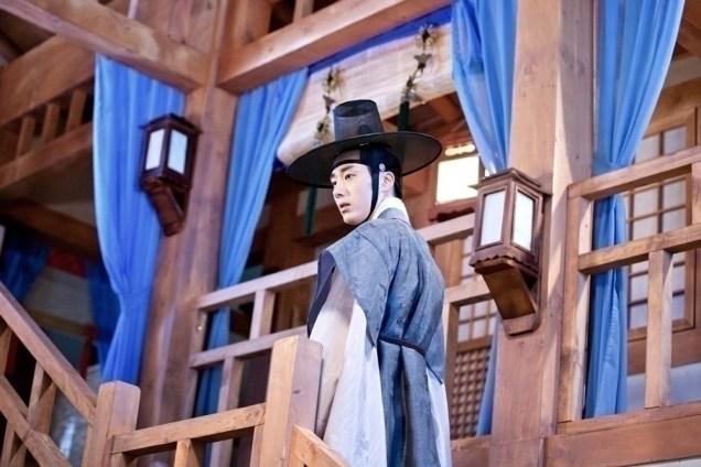 Jung II-woo in the Night Watchman's Journal Episode 8 BTS Part 2 Cr. jungilwoo.com 12