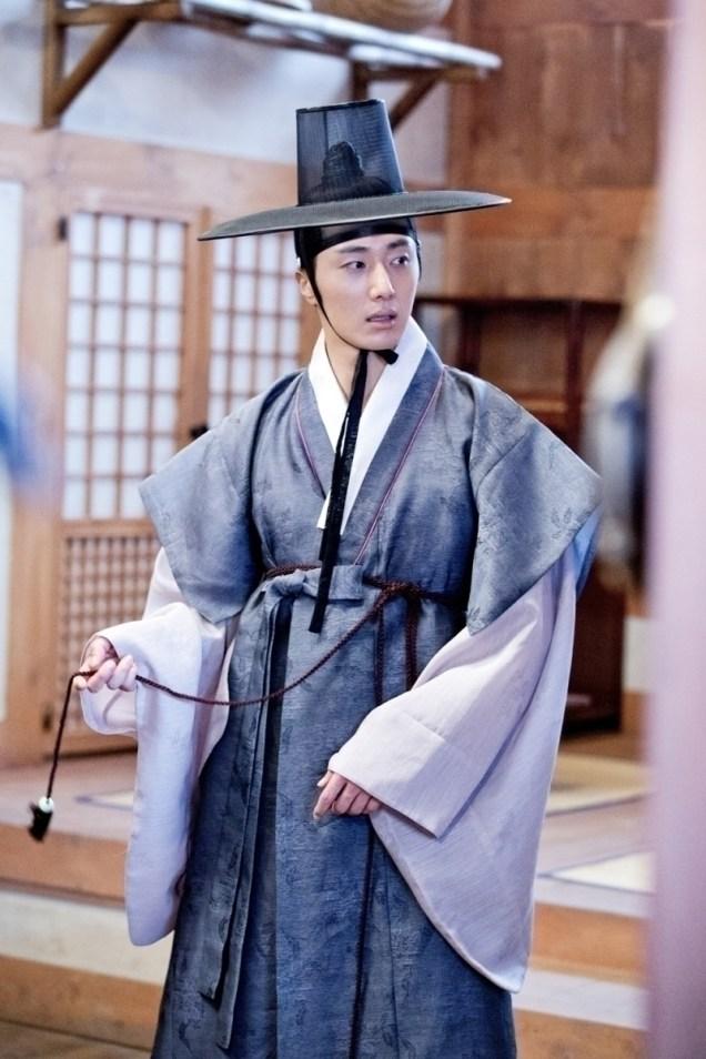 Jung II-woo in the Night Watchman's Journal Episode 8 BTS Part 2 Cr. jungilwoo.com 14