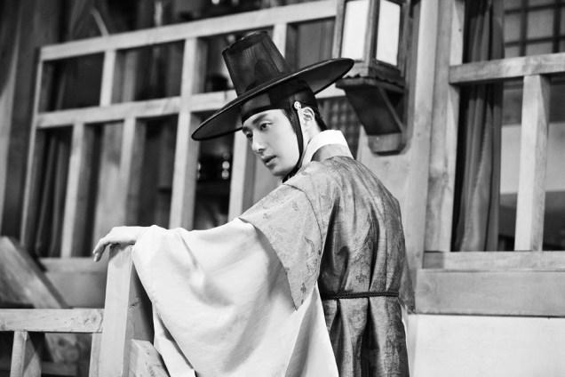 Jung II-woo in the Night Watchman's Journal Episode 8 BTS Part 2 Cr. jungilwoo.com 15