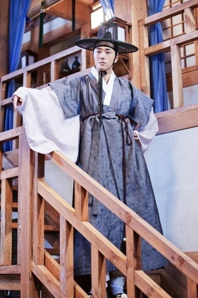 Jung II-woo in the Night Watchman's Journal Episode 8 BTS Part 2 Cr. jungilwoo.com 19