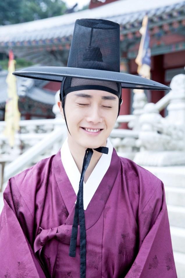 Jung II-woo in the Night Watchman's Journal Episode 8 BTS Part 2 Cr. jungilwoo.com 3