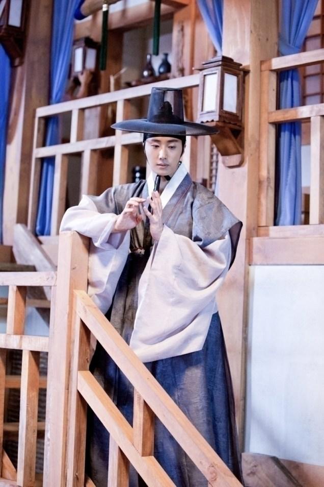 Jung II-woo in the Night Watchman's Journal Episode 8 BTS Part 2 Cr. jungilwoo.com 7
