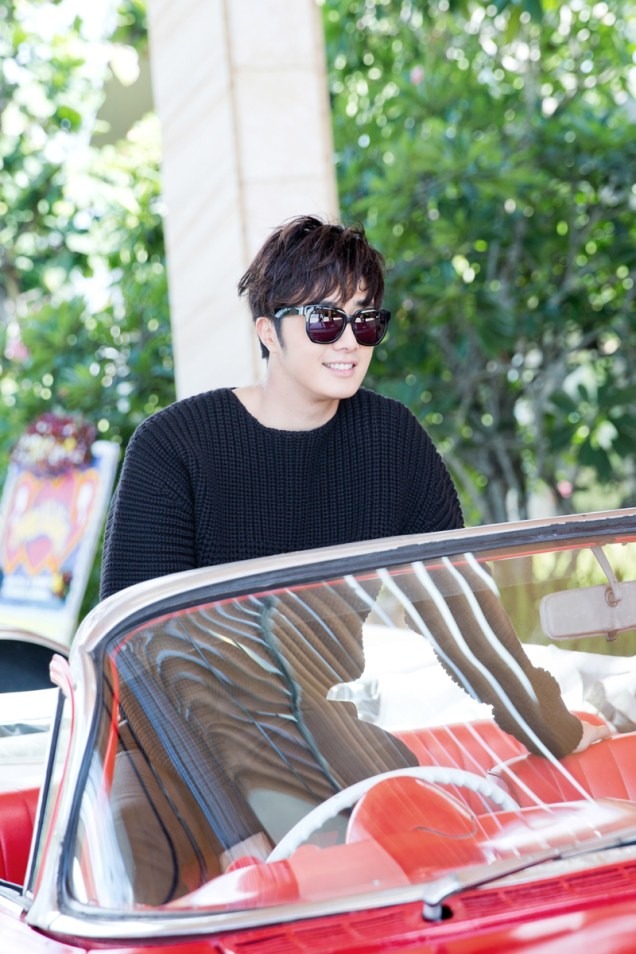 2014 10:11 Jung Il-woo in Bali for BNT International Part 1: Cars 21