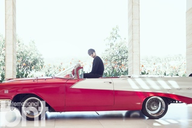 2014 10:11 Jung Il-woo in Bali for BNT International Part 1: Cars with Logo 1