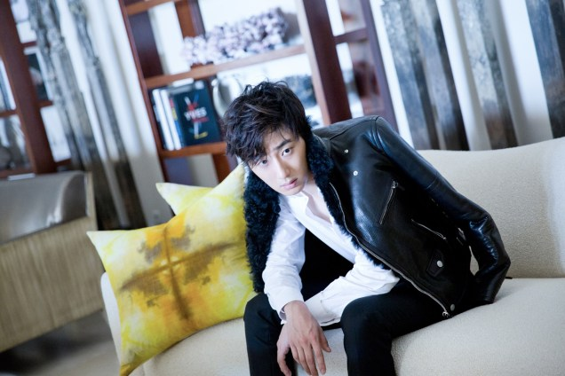2014 10:11 Jung Il-woo in Bali for BNT International Part 2: Black Leather Furry Jacket Oasis 12