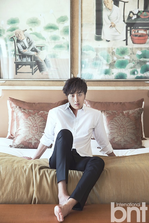 2014 10:11 Jung Il-woo in Bali for BNT International Part 2: Guitar and In Bed. BNT International Selected ones. 2