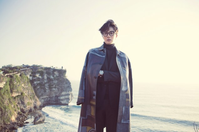 2014 10:11 Jung Il-woo in Bali for BNT International Part 3: Burberry Coat .jpg6