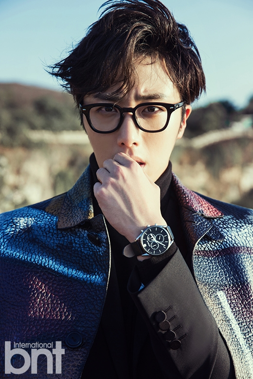 2014 10:11 Jung Il-woo in Bali for BNT International Part 3: Burberry Coat with LOGO .jpg3