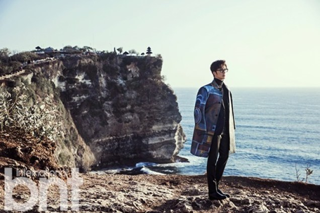 2014 10:11 Jung Il-woo in Bali for BNT International Part 3: Burberry Coat with LOGO .jpg4