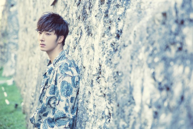 2014 10:11 Jung Il-woo in Bali for BNT International Part 3: Cliffy Goodness Cr.BNT International 10