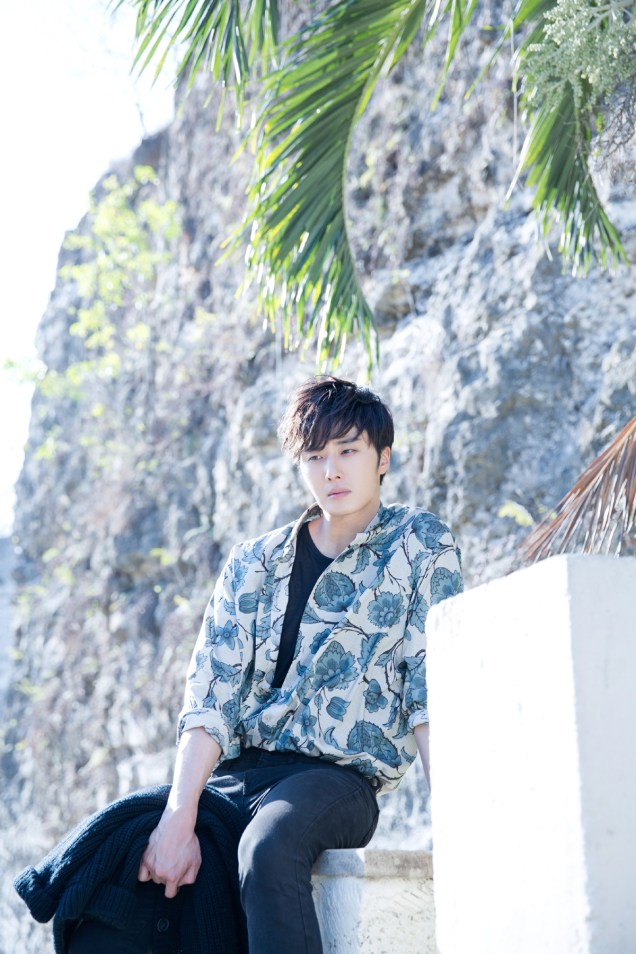 2014 10:11 Jung Il-woo in Bali for BNT International Part 3: Cliffy Goodness Cr.BNT International 13
