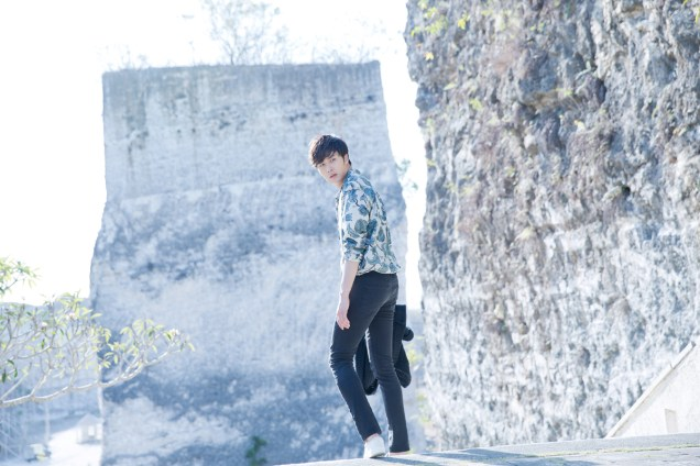 2014 10:11 Jung Il-woo in Bali for BNT International Part 3: Cliffy Goodness Cr.BNT International 8