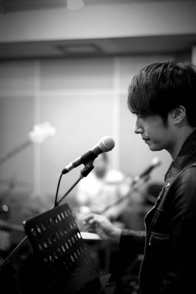 2014 11 22 Jung Il-woo rehearsing for Fan Meeting.