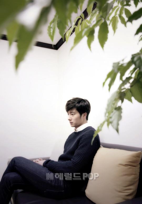 2014 11 Interviews Part 3 Black Sweater 1