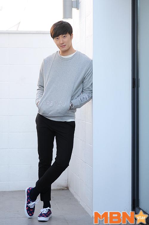 2014 11 Interviews Part 3 Gray Sweater2