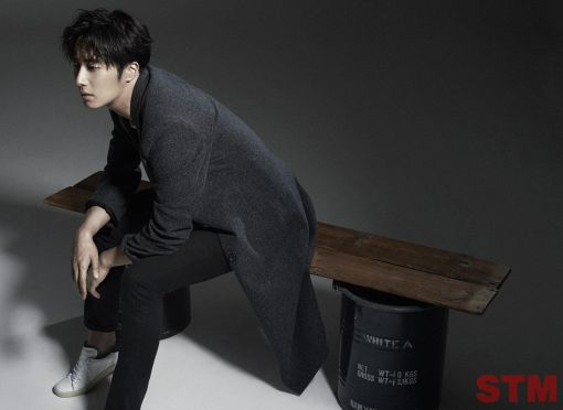 2014 11 Jung II-woo in STM Magazine 3