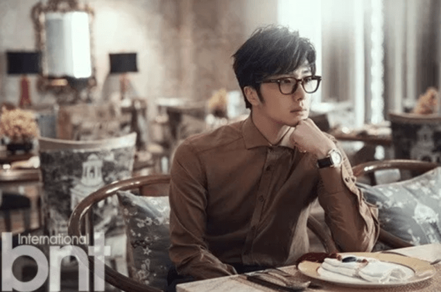 2014 11 Jung Il-woo in Bali Photo Shoot for BNT International. More with Logo 27.png