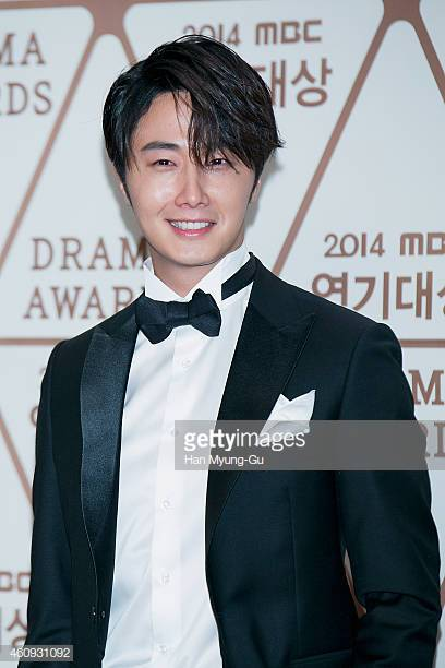 2014 12 30 Jung Il-woo Red Carpet at the 2014 MBC Awards 14