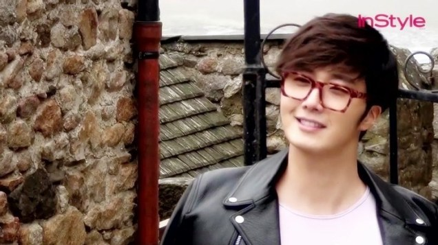 2014 12 Jung Il-woo for InStyle in France at Mont Saint Michel BTS 1