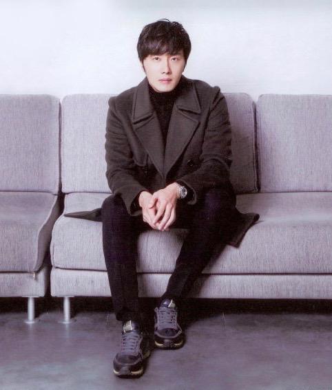 2014 Jung Il-woo in Riveriver Magazine Vol.05 4