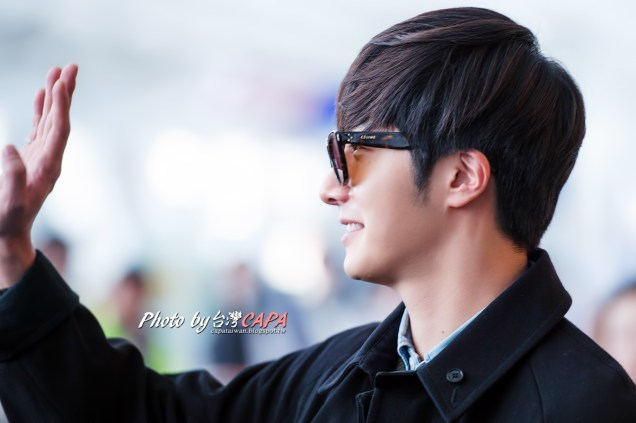 2015 1 JIW arrives to Taiwan's airport.  Cr. CAPA 2.jpg