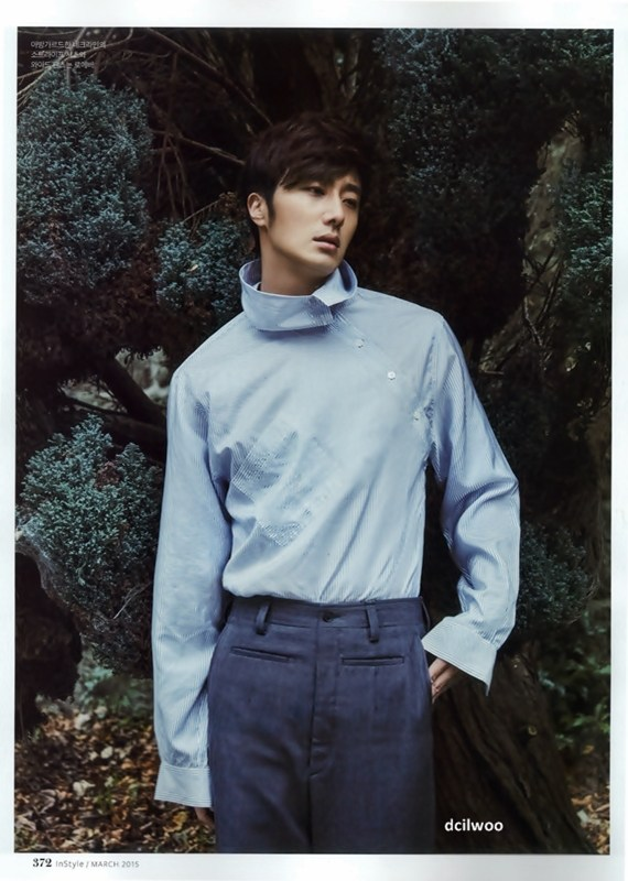 2015 3 Jung Il-woo at Mont Saint Michel for Style magazine Photo Shoot (Magazine layout) 3