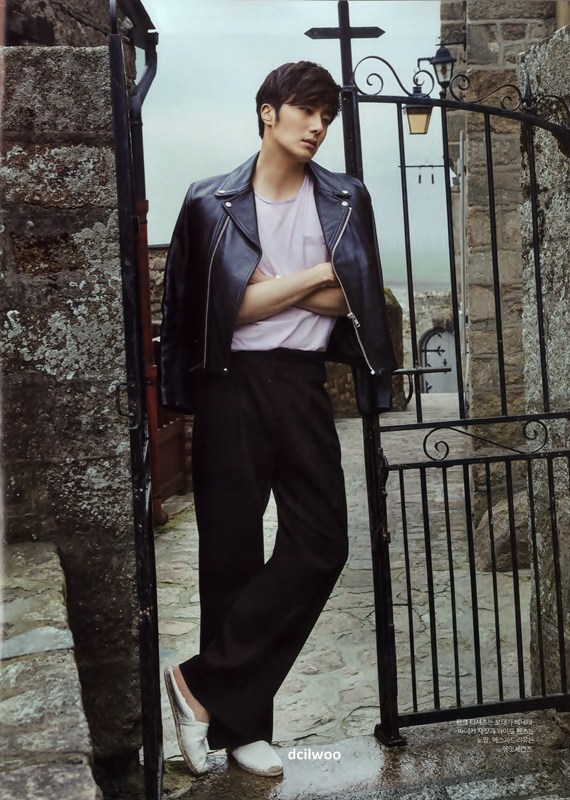 2015 3 Jung Il-woo at Mont Saint Michel for Style magazine Photo Shoot (Magazine layout) 8