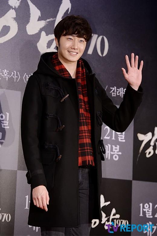 2015 1 20 Jung Il-woo attends VIP Premiere of Gangnam 1970. 4