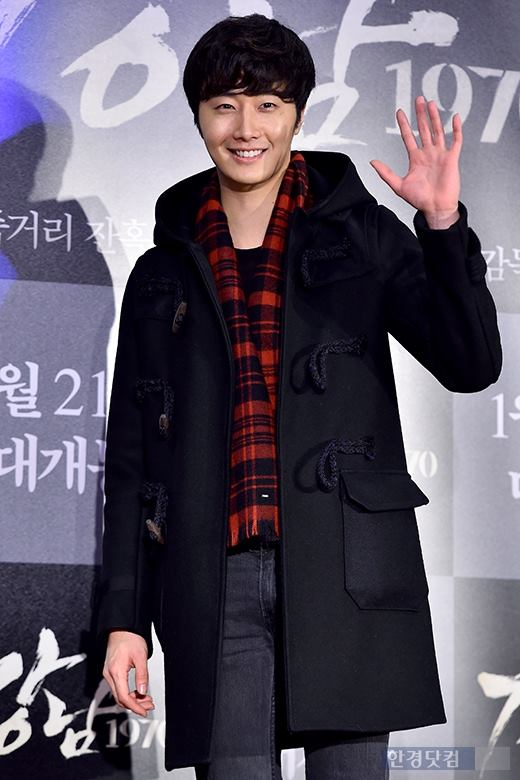 2015 1 20 Jung Il-woo attends VIP Premiere of Gangnam 1970. 5