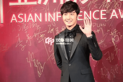 2015 1 23 Jung Il-woo at the Asian Influence Awards. 10