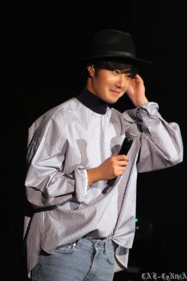 2015 2 1 Jung Il-woo at the Beijing Fan Meeting. 19