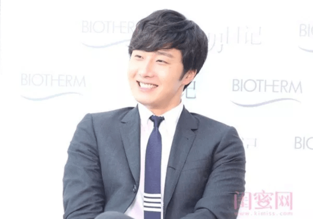2015 3 20 Jung Il-woo at a Biotherm Event in Beijing, China. Extras!2
