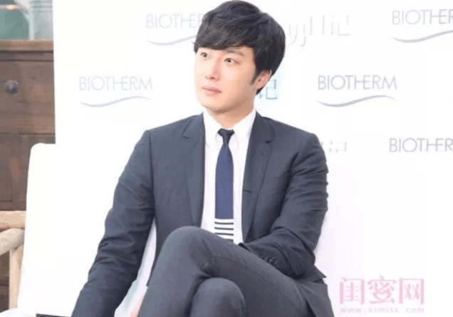 2015 3 20 Jung Il-woo at a Biotherm Event in Beijing, China. Extras!9